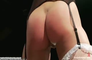Бедная брюнетка согласилась на дикое порно БДСМ