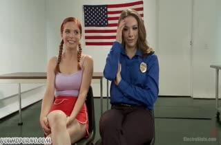 Рыжую лесбиянку заковали и затрахали секс игрушками