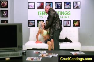 Блондинка Marsha May проходит БДСМ порно кастинг