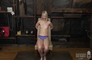 Бедняжка Lily Rader изнывает от секс игрушек