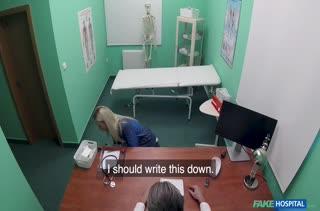 Доктор на осмотре соблазнил блондинку Nathaly Cherie
