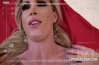 Любительское порно с грудастой Nikki Benz