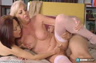 Kim Anh и Scarlet Andrews примерили свои вагинки к члену
