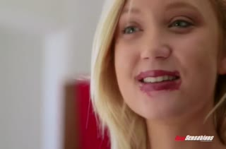 Julia Ann и Dakota Skye решились на лесбо порно