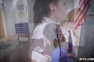 Три пошлые студентки ласкаются в кабинете после занятий