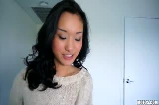 Милая Alina Li снимается в страстной любительской порнухе
