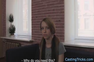 Молодая давалка испытала себя на порно кастинге