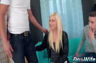 Блондинистая жена расплачивается аналом за долги