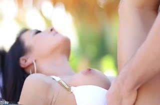Мамаше Capri Cavanni парень романтично присунул хер