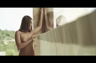 Alessandra Jane извивается и ловит оргазм от красивого траха