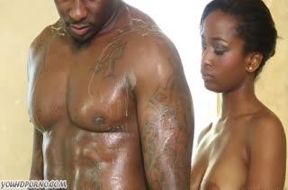 Эротичный массаж и страстный секс темнокожей парочки