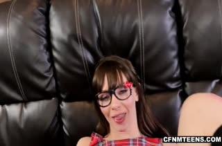 Молоденькая Alexa Nova охмурила соседа на порно