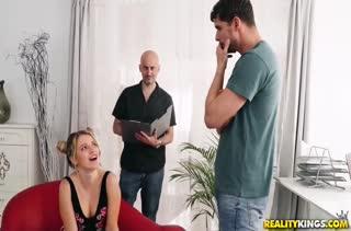 Жопастая Mary Kalisy сумела удовлетворить мужика
