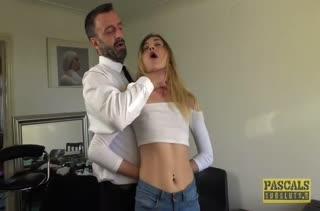 Rhiannon Ryder снимается с мужиками в любительской порнухе