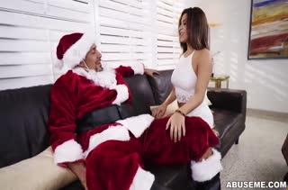 Фигуристая Mia Martinez получила от Деда Мороза грубый секс
